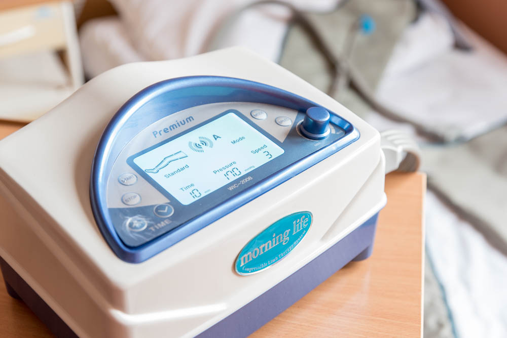 Przekazanie aparatu do masażu uciskowego oraz specjalistycznego wózka hotelowego